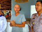 Manager Operational Aloita Resort didampingi Kapolres dan Kepala Dinas Pariwisata Pemuda dan Olahraga Mentawai, menyampaikan permintaan maafnya atas miskomunikasi yang terjadi antara dia dengan anggota DPRD Sumbar.