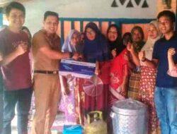 Camat Tanjung Mutiara Serahkan Bantuan Pengolah Ikan