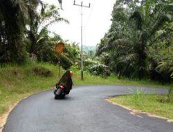 Dua Kaca Spion Raksasa Jalan Manggis-Malabur Tingal Bingkai