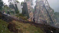 """Tagline """"Padang Kota Tercinta"""" di Gunung Padang Dibangun Lagi"""