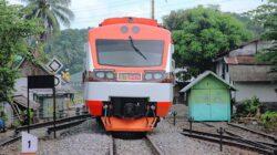 Turun Angkot Langsung Melintas, Pejalan Kaki Tewas Tertabrak Kereta Api
