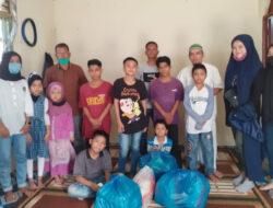 Mahasiswa Pendidikan Bahasa dan Sastra Indonesia UBH Turun ke Jalan dan Panti Asuhan