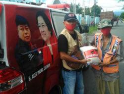 PDIP Sumbar Bagikan Satu Ton Beras dan untuk Warga tak Mampu di Padang