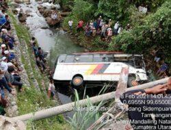 Kadis DPKP Ermanto Meninggal, Korban kecelakaan Bus Rombongan Pemkab Agam Jadi Empat
