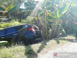 Mobil Dinas Wakil Bupati Agam Kecelakaan di Tanjung Mutiara