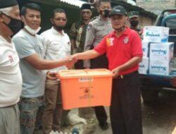 Pemkab Agam Serahkan Bantuan Bencana Angin Puting Beliung