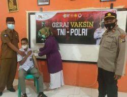 100 Siswa SMAN 1 Palembayan Ikuti Vaksinasi TNI-Polri