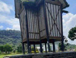 Istano Basa Pagaruyung Pusat Peradaban dengan Rangkiang dan Surau