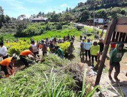 Satgas BPBD Agam Bersihkan Longsoran di Jorong 100 Janjang